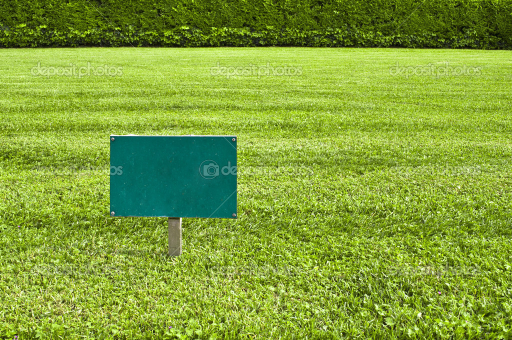 Keep of the grass blank sign