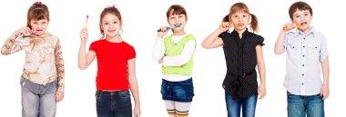 Kids cleaning teeth