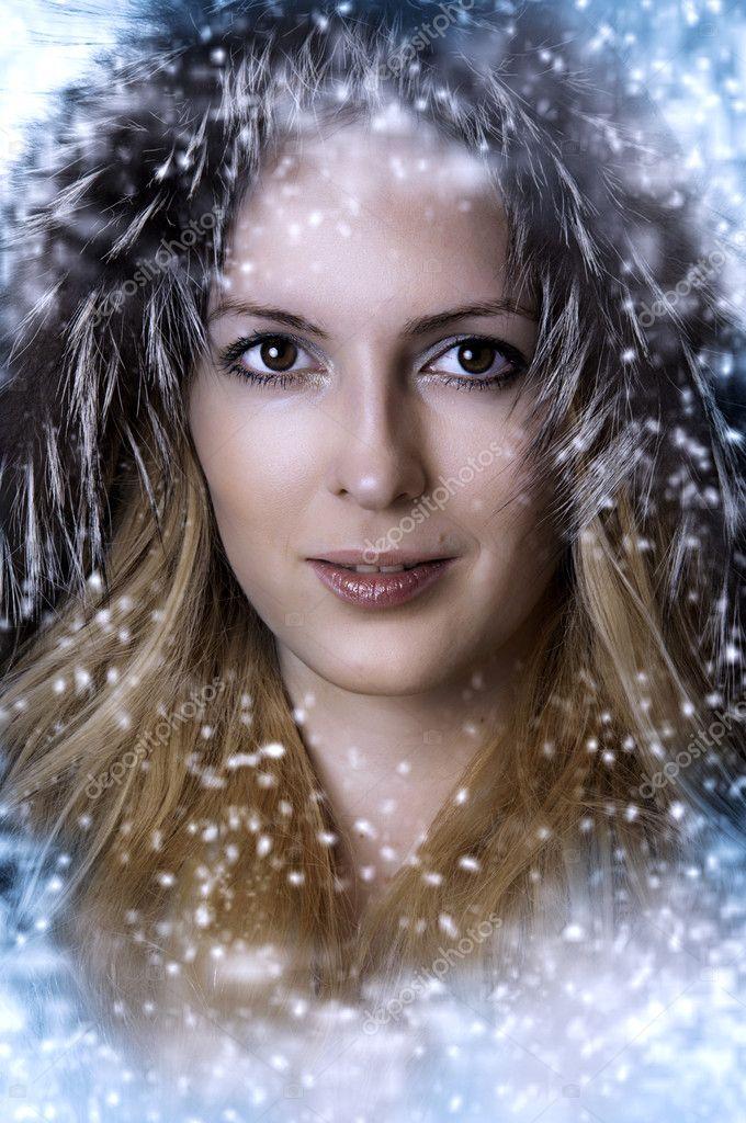 Christmas winter woman. Beauty portrait