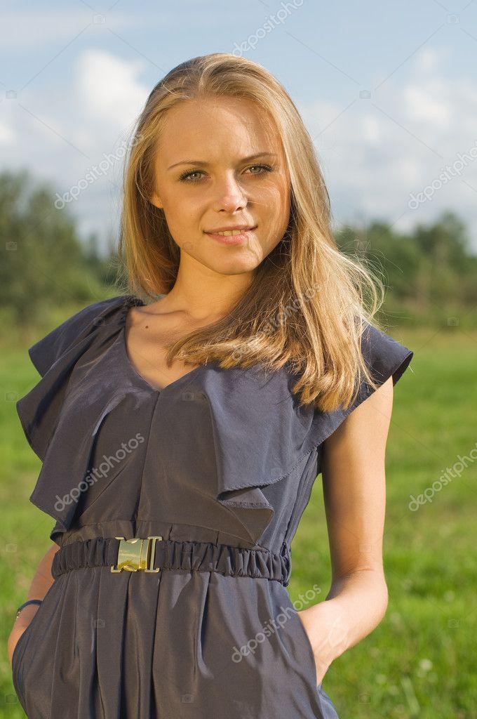 Ung vacker flicka knullad