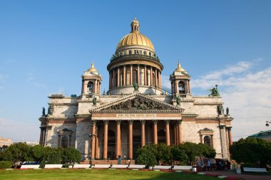St. Isaac's Cathedral, the facade of the blue sky