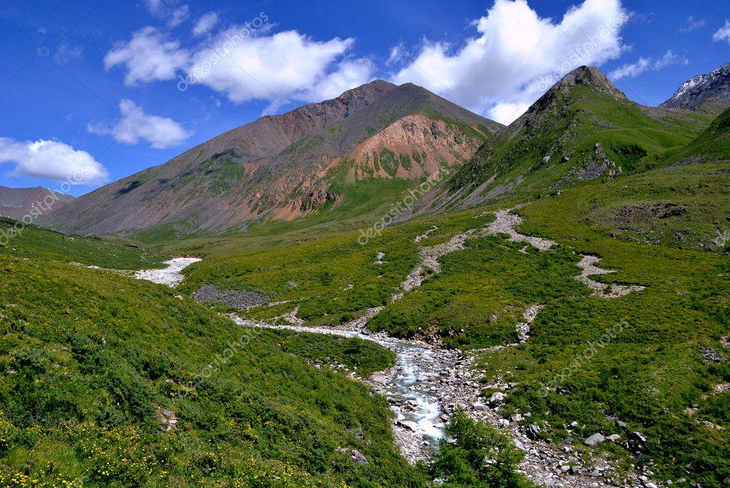 Mountain Valley Echo-Ger - classical trough valley. Buryatia