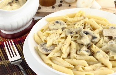 Penne pasta with mushroom cream