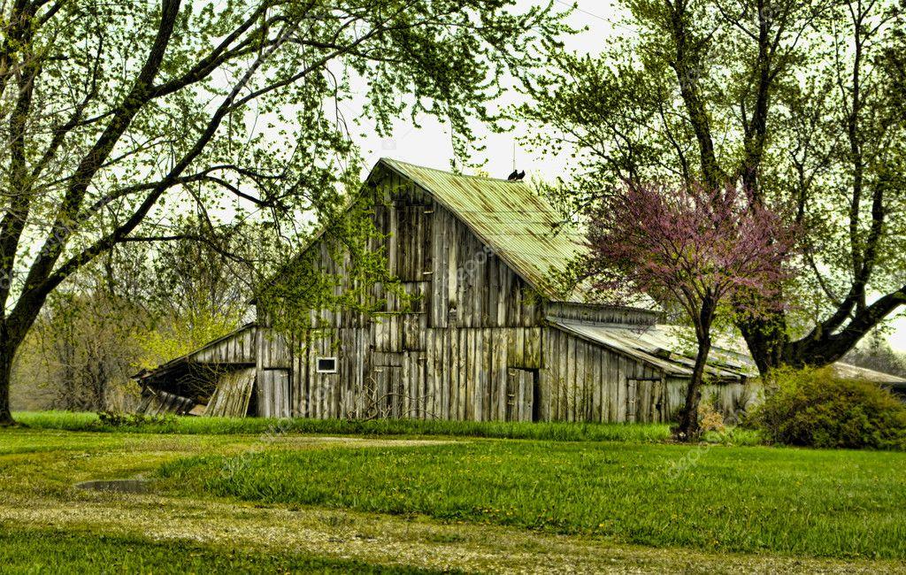 Vintage Landhaus alte Scheune — Stockfoto © IowaX2 #5524083