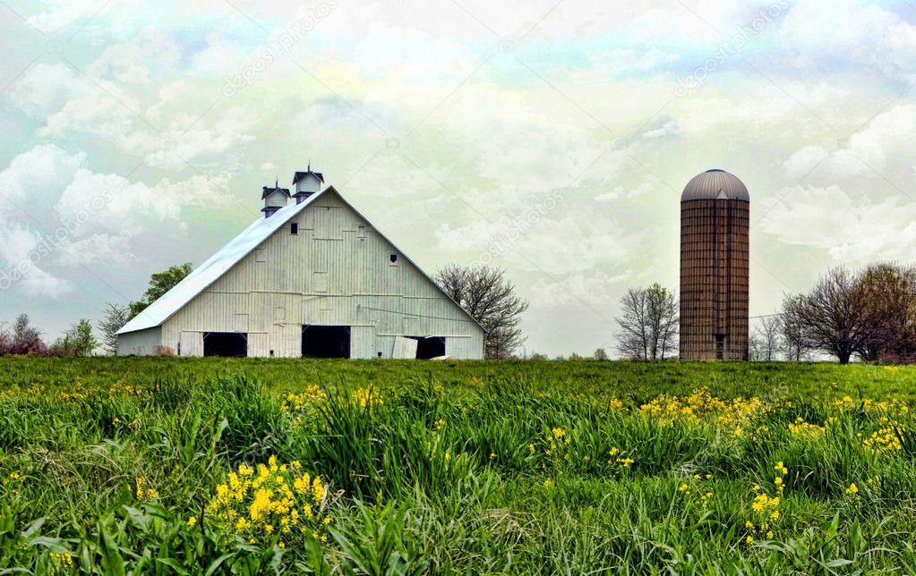 Vintage Landhaus alte Scheune — Stockfoto © IowaX2 #5524154