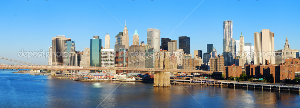 new york city manhattan skyline panorama und der brooklyn bridge stockfoto rabbit75 dep 5566761. Black Bedroom Furniture Sets. Home Design Ideas