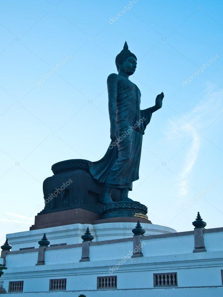 ナコン ・ パトムの仏像 — スト...