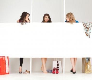"""Картина, постер, плакат, фотообои """"Девушки глядя одежды в женская"""", артикул 5663667"""
