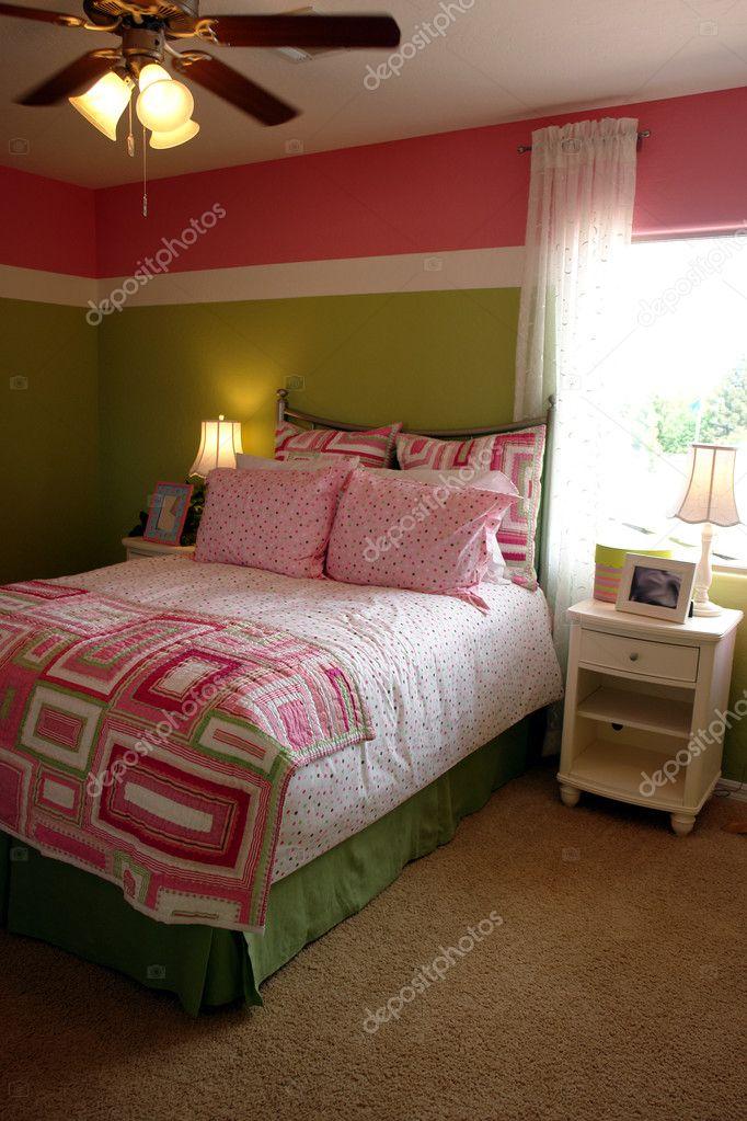 meisjes slaapkamer — Stockfoto © studiosnowden #6427094