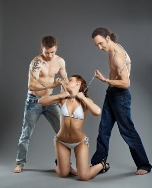 Two man take woman on chain - bdsm games