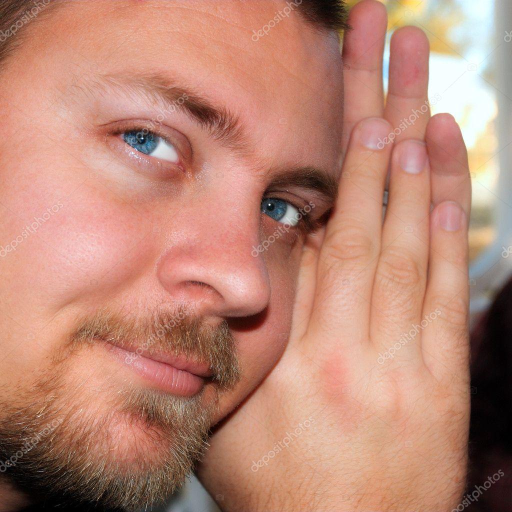 homme aux yeux bleus et une barbe l g re photographie lubavnel 5410947. Black Bedroom Furniture Sets. Home Design Ideas
