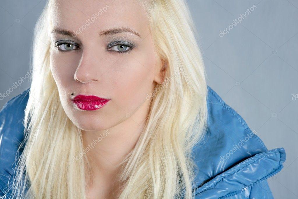 Weiblich Blond Blau