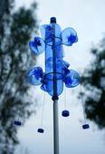 modrá láhev plast handcraft weathercock