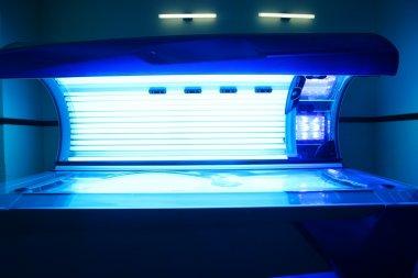 Tanning solarium light machine blue color
