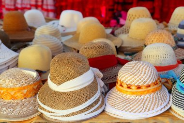 Hats arrangement on market hand craft shop