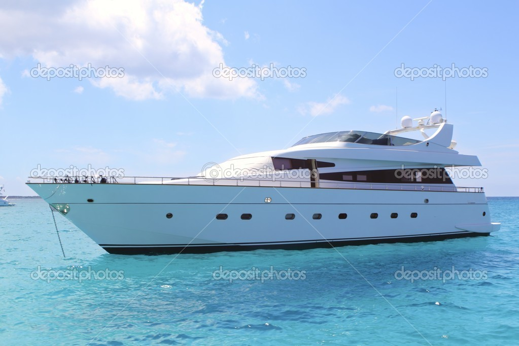 Yacht di lusso in turchese Illetes Formentera