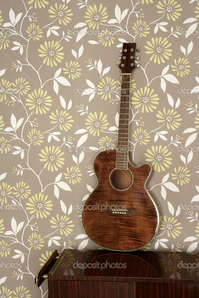 guitare acoustique r tro sur le papier peint vintage des ann es 60 photographie tono balaguer. Black Bedroom Furniture Sets. Home Design Ideas