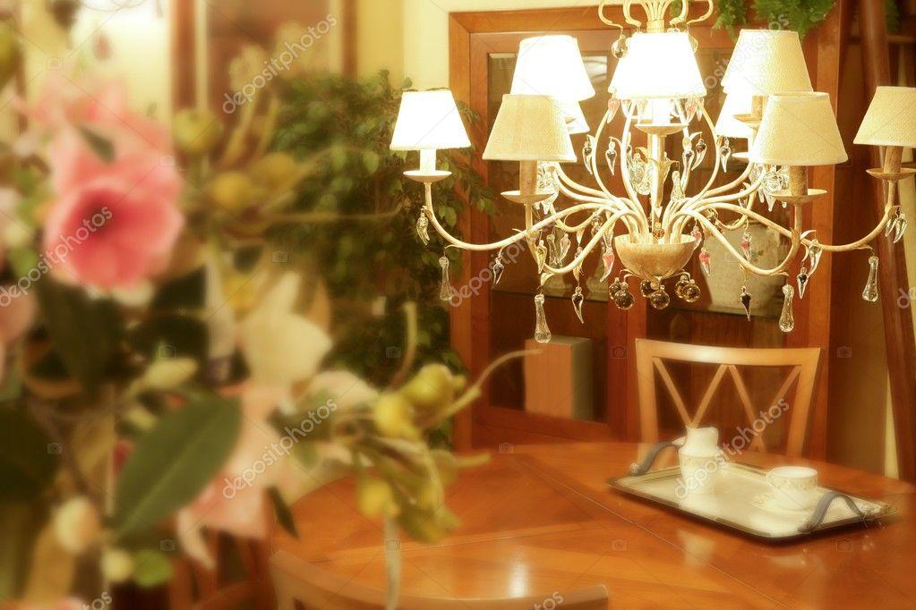 Kronleuchter Holz ~ Barocke italienische kronleuchter aus holz wohnzimmer u2014 stockfoto