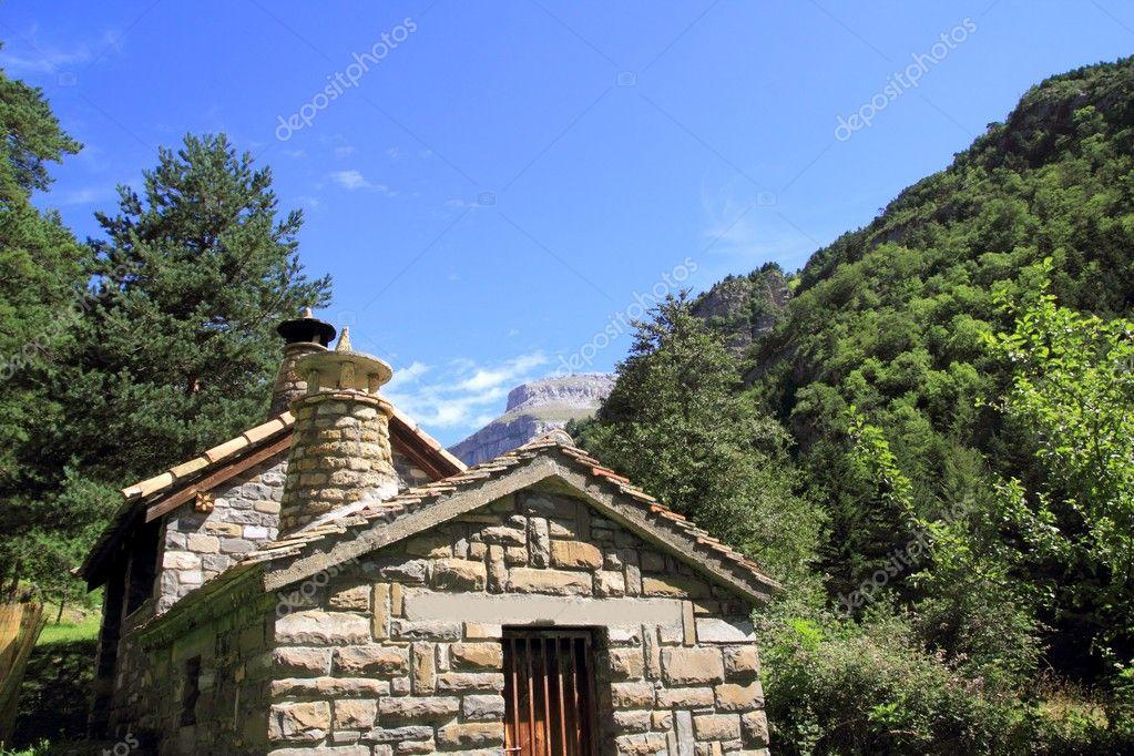 Case Di Montagna In Pietra : Case di montagna sangineto s r l