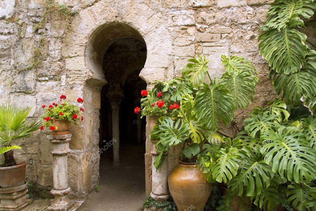 baños árabes en la ciudad vieja de Mallorca de patios de los barrio ...