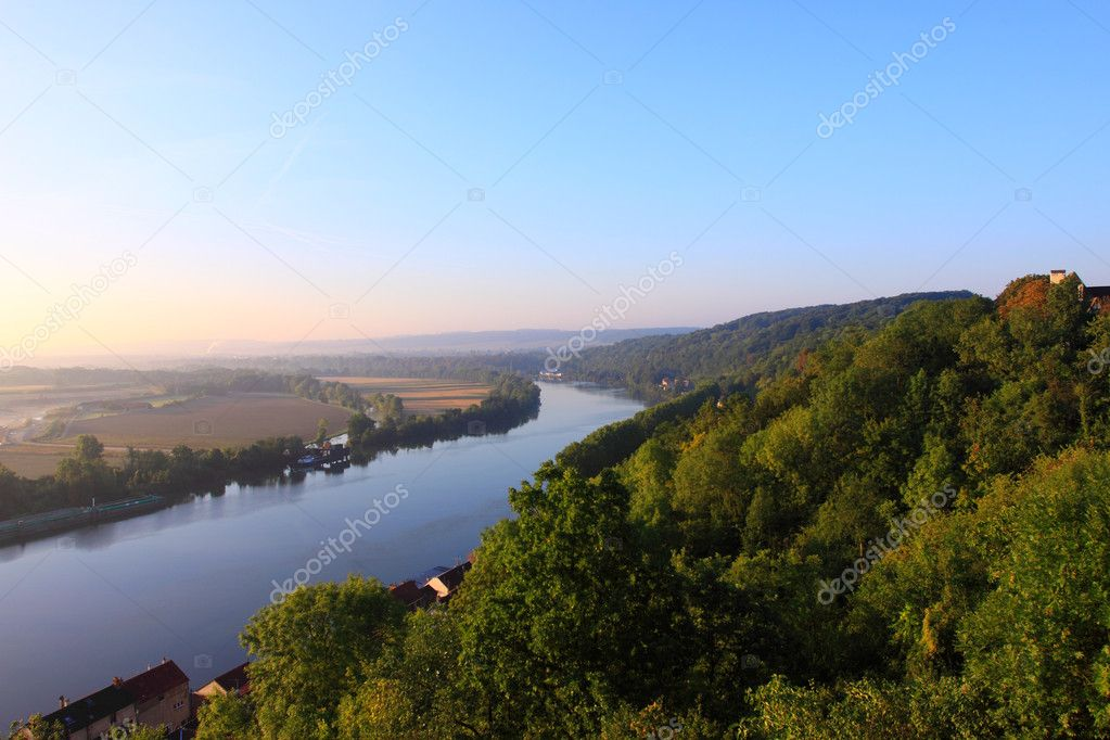 Daybreak in the mist of the valley of the Seine
