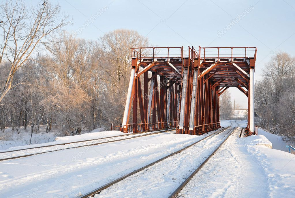 Railway bridge in the winter.