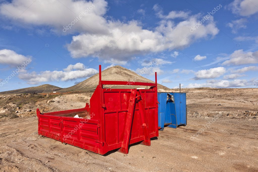 Loading platform for lorry in volcanic area