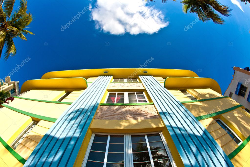 Art deco architecture at ocean drive in miami