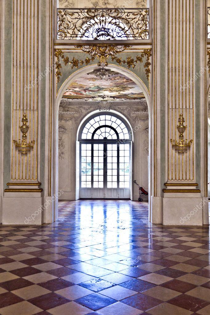 Binnenkant Van Een Kasteel.Binnenkant In Kasteel Nymphenburg Munchen Redactionele