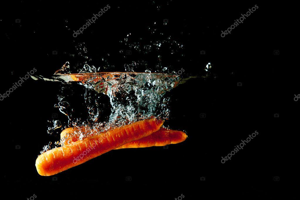 Carrots Water Splash