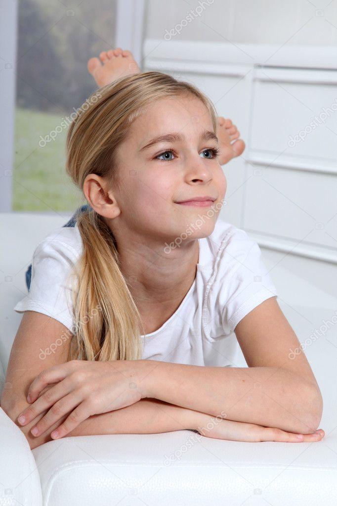 portr t von 10 j hrigen blonden m dchen stockfoto 6698180. Black Bedroom Furniture Sets. Home Design Ideas