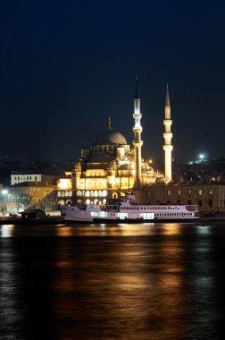 New Mosque, Yeni Camii, at twilight