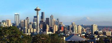 Seattle skyline panorama at sunset.