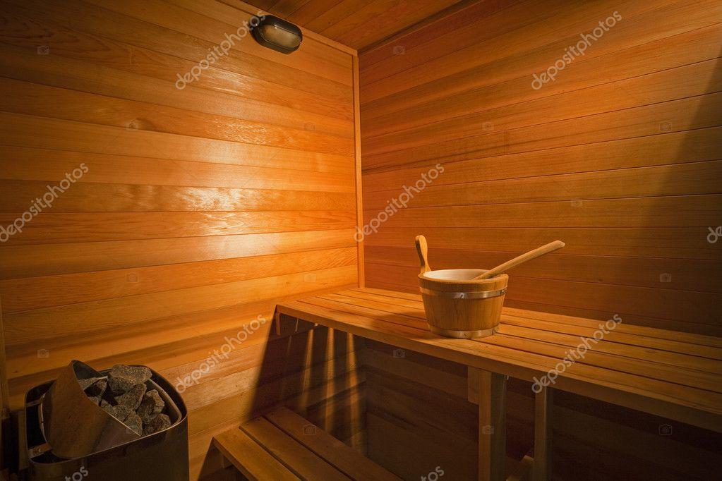 int rieur d 39 un sauna en bois photographie epstock 5792417. Black Bedroom Furniture Sets. Home Design Ideas