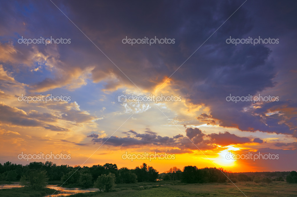 Фотообои Beautiful sunrise and dramatic clouds on the sky. Flood waters o