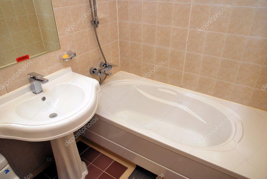 Vasca Da Bagno Relax : Vasca per spa e relax u2014 foto stock © gnohz #5856532