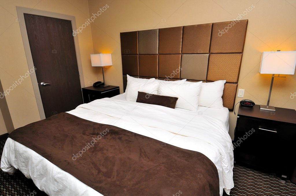 stora queen size s 228 ng stockfotografi 169 gnohz 5856742 20347 | depositphotos 5856742 stock photo large queen sized bed
