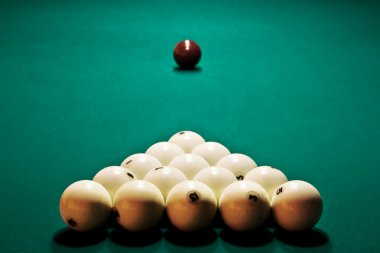 Table to start game in billiards with the prepared spheres