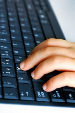 Hand on Keybord