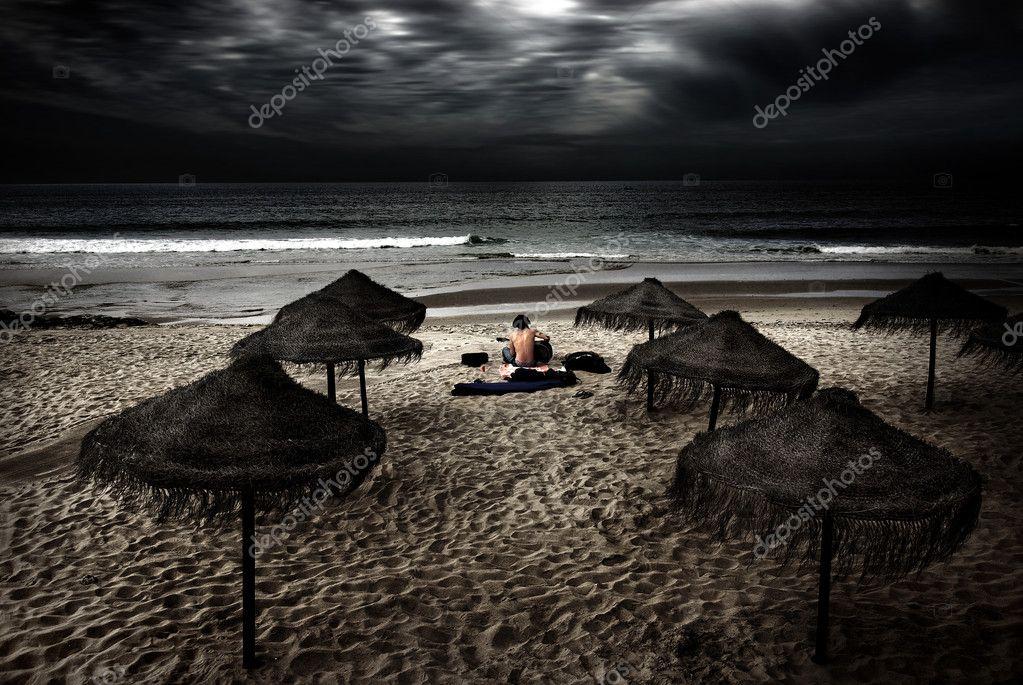 Beach Minstrel