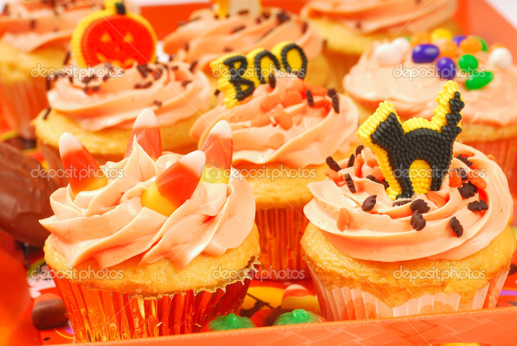 delicious halloween cupcakes presented on a serving tray photo by hhltdave5