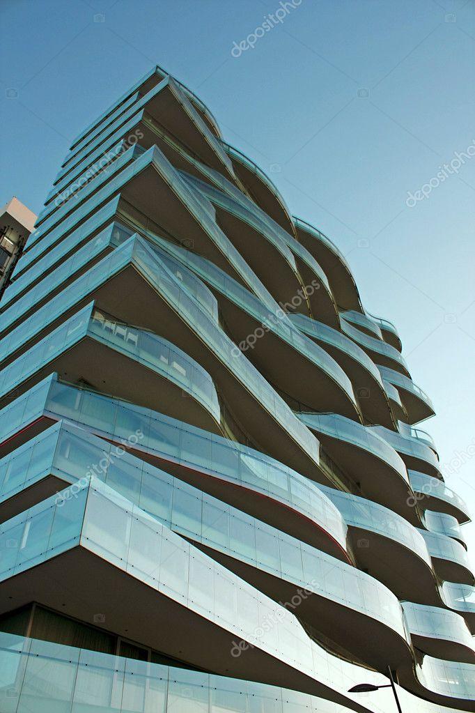 b timent moderne avec un nouveau design de balcons photographie carlosmoura 6067537. Black Bedroom Furniture Sets. Home Design Ideas