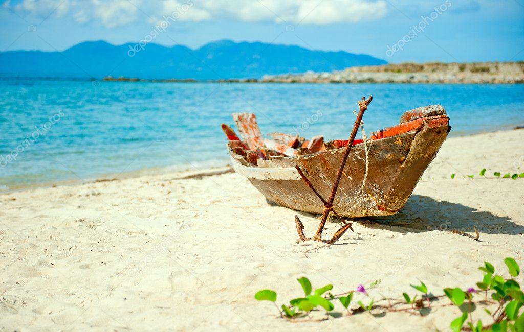 бросит рыбак на берег взгляд смуглой