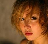 portrét mladé dívky