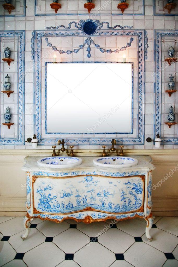 Cuarto de baño Vintage — Foto de stock © friday #6172688