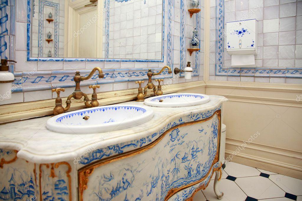 cuarto de baño Vintage — Foto de stock © friday #6172699