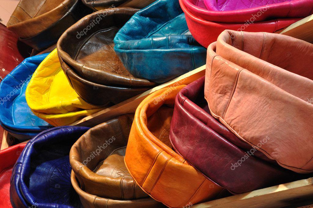 Leren Kussens Te Koop.Kleurrijke Lederen Kussens Stockfoto C Philipus 6388835
