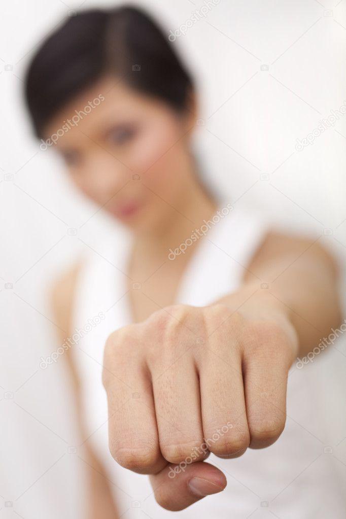 кулак в девушке фото этой запретной