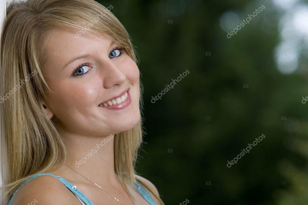 File Cyndi Blue Hair 2000 Jpg: Stock Photo © Dmbaker #6685031