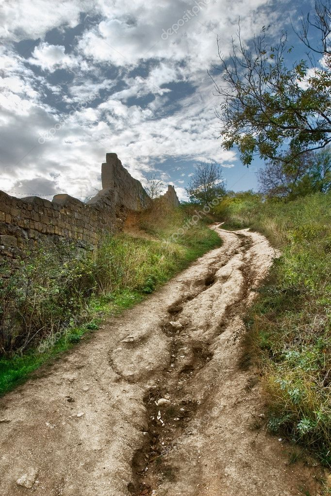 Dirt road up to hill